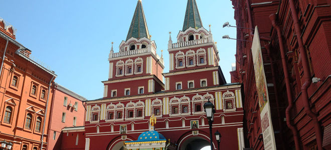 Воскресенские ворота Кремля