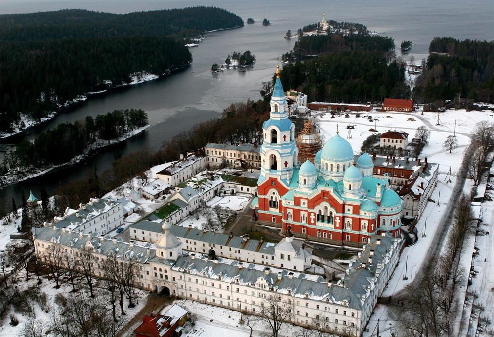 Валаамский Спасо-Преображенский монастырь зимой