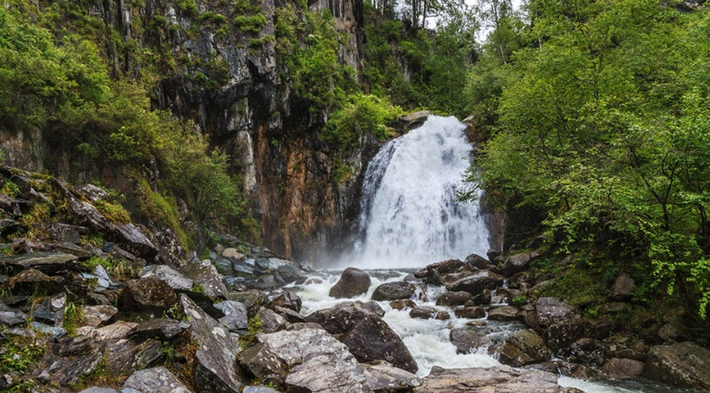 водопад Алтая во всей красе
