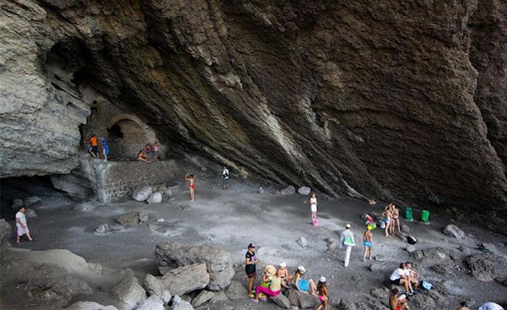 большой свод пещеры