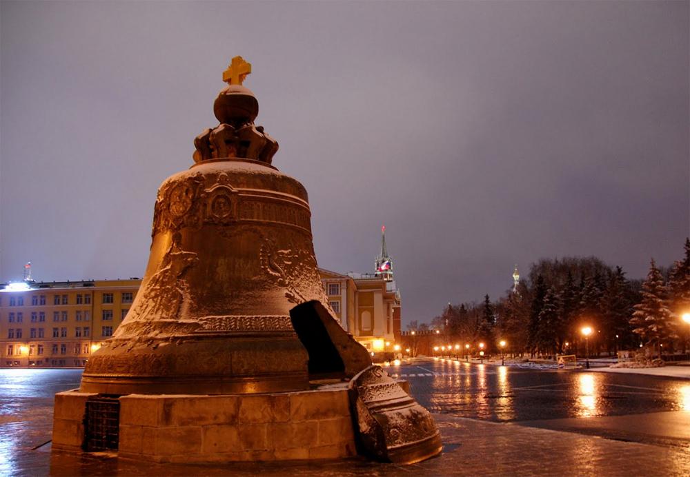 фото колокол в ночи