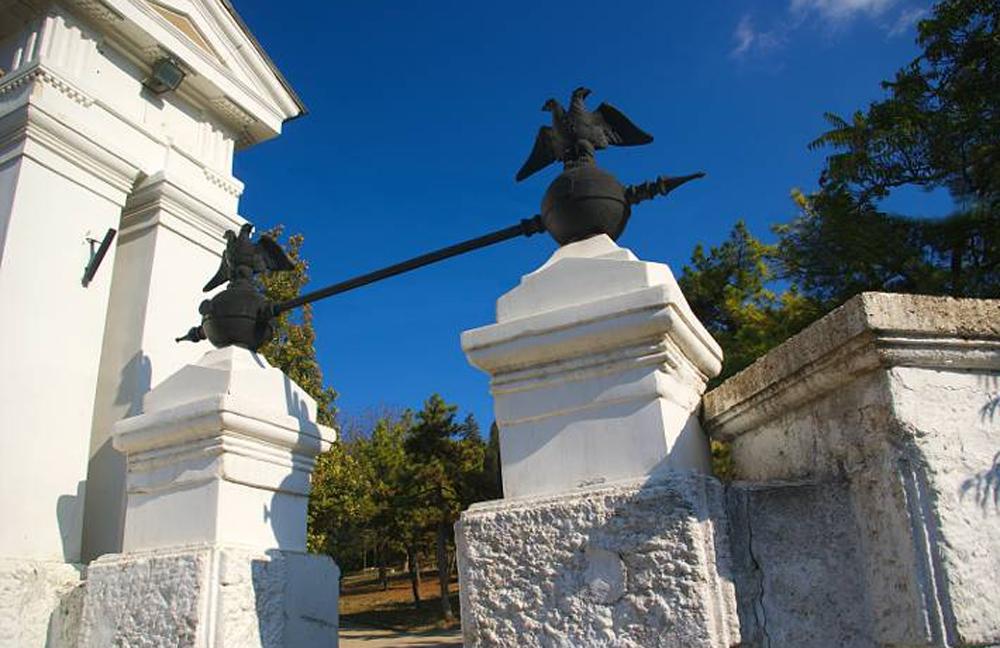 Малахов курган памятник