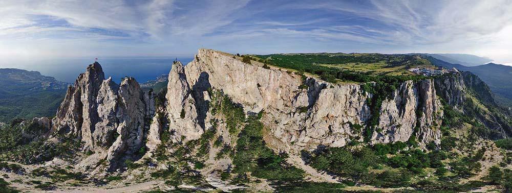панорамный снимок горы Ай-Петри