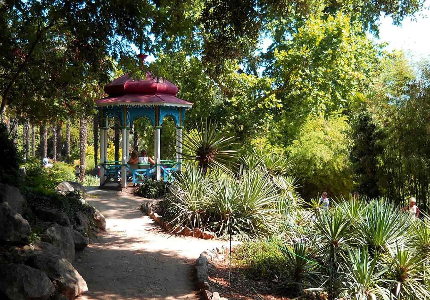 беседка в Никитском ботаническом саду