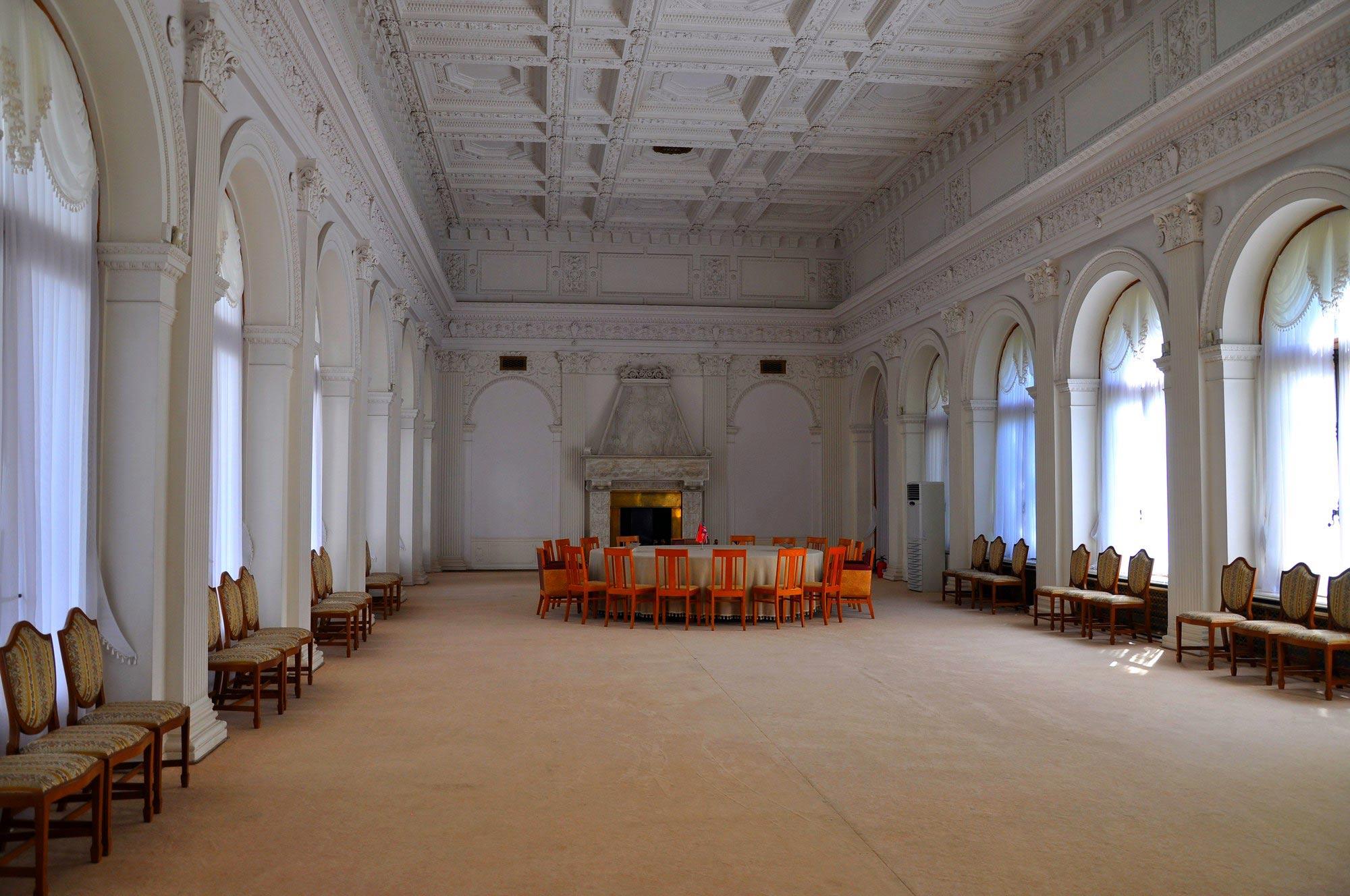 парадный зал Ливадийского дворца