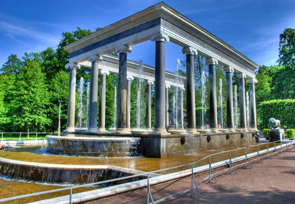фонтан-колоннада