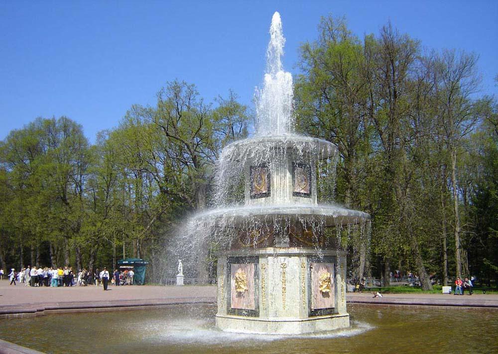 еще один фонтан в парке