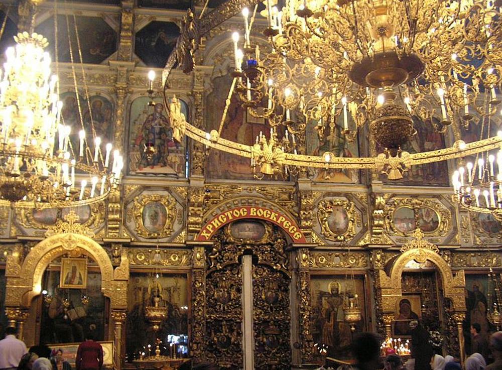 вид монастыря изнутри