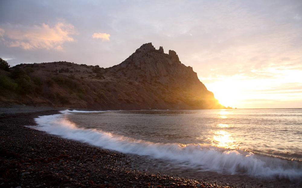 закат на фоне гор в заповеднике