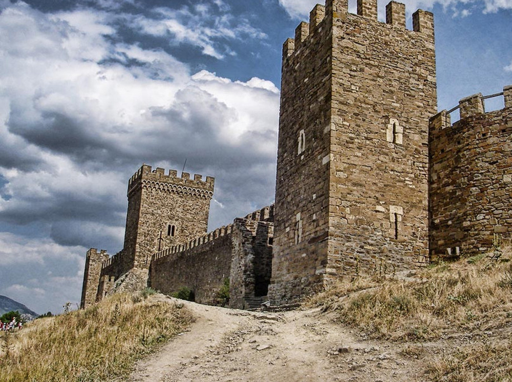 Генуэзская крепость 5
