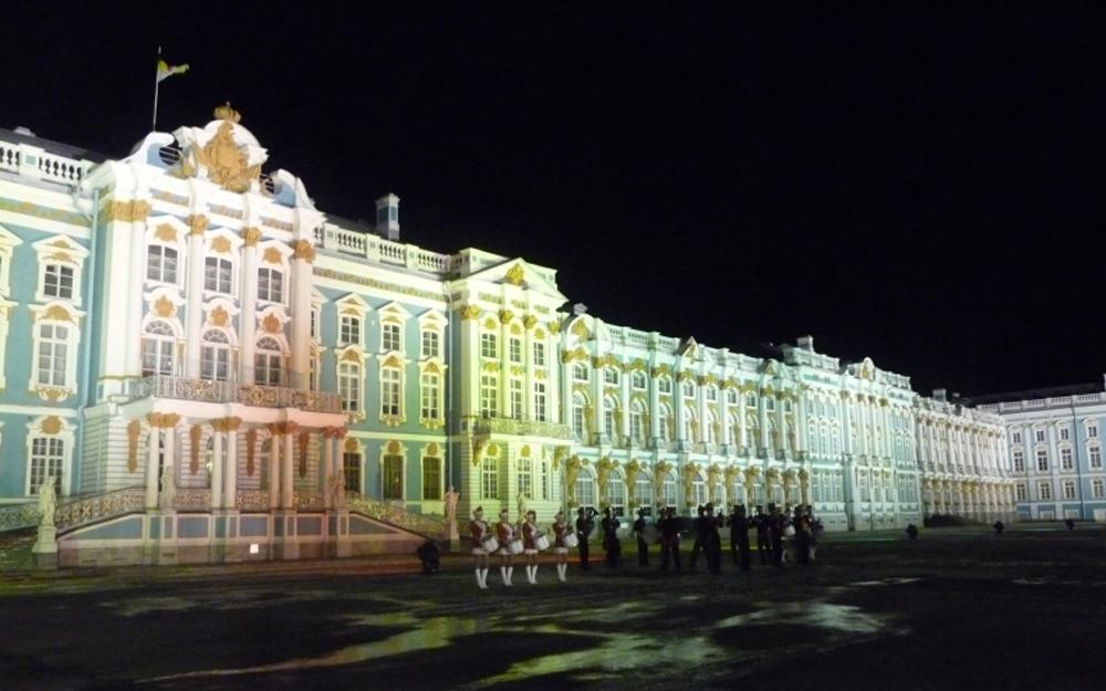 Екатерининский дворец ночью