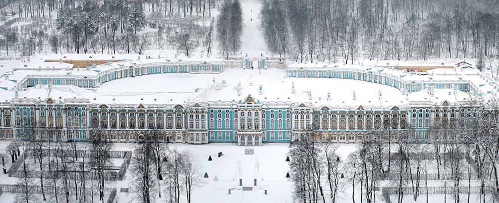 Екатерининский дворец в снегу