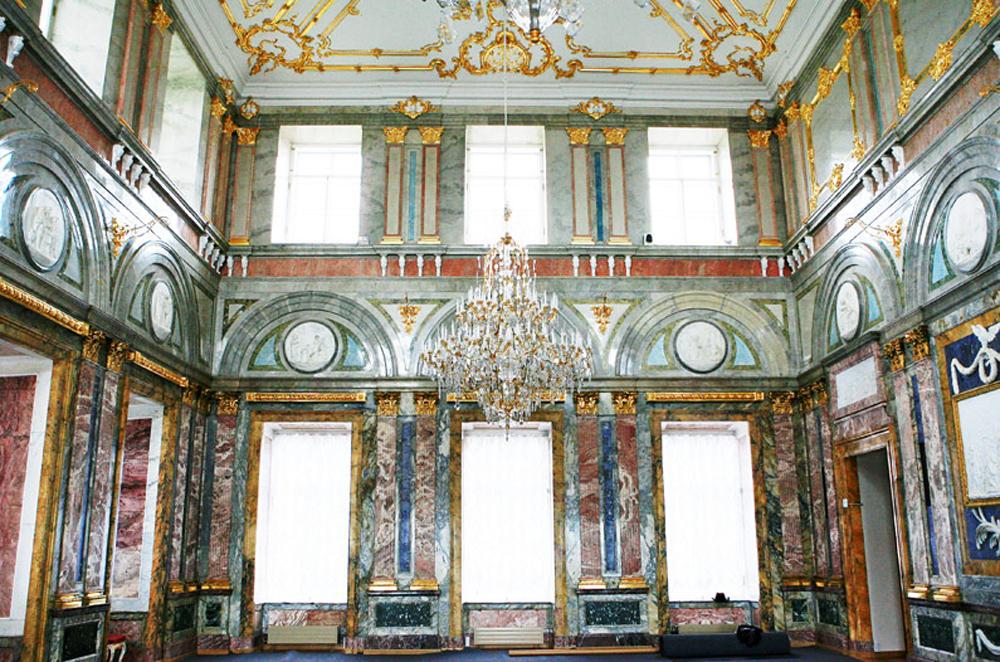 бальный зал мраморного