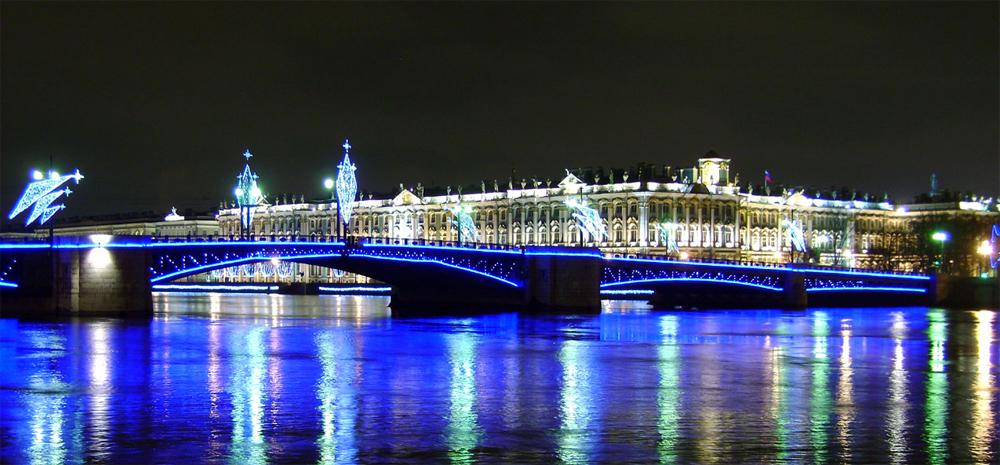 мост светится ночью