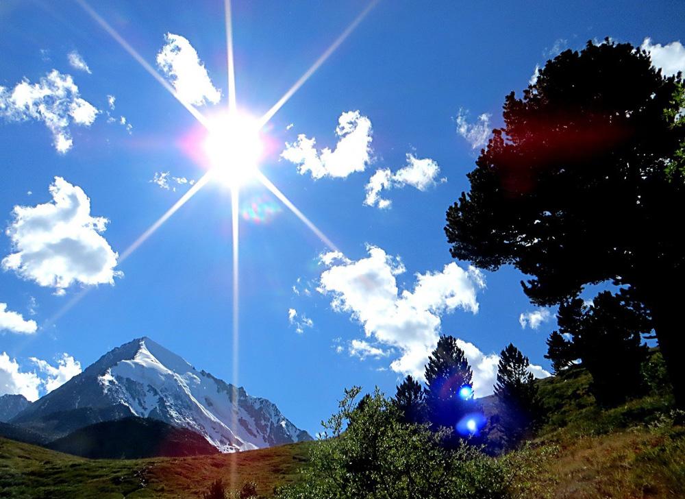 Солнечный день в долине
