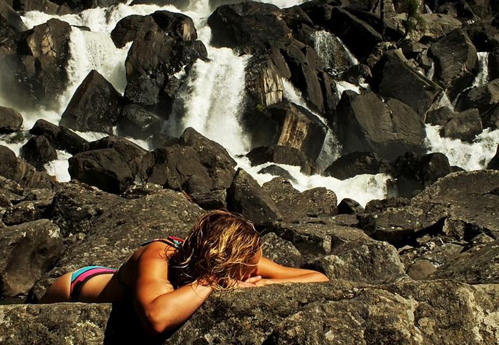 Отдых у водопада