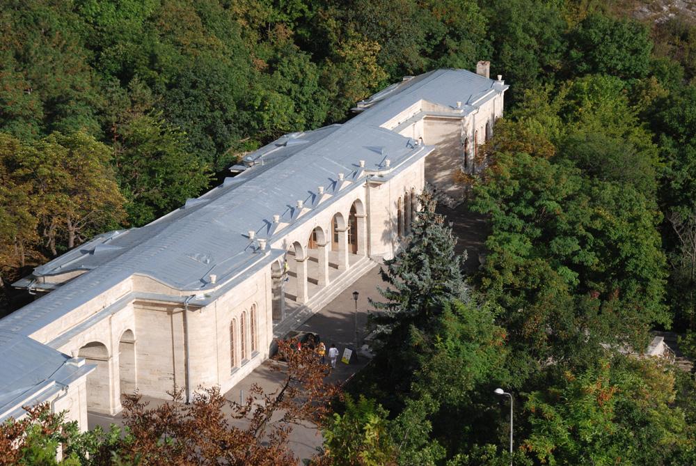 Академическая галерея вид сверху
