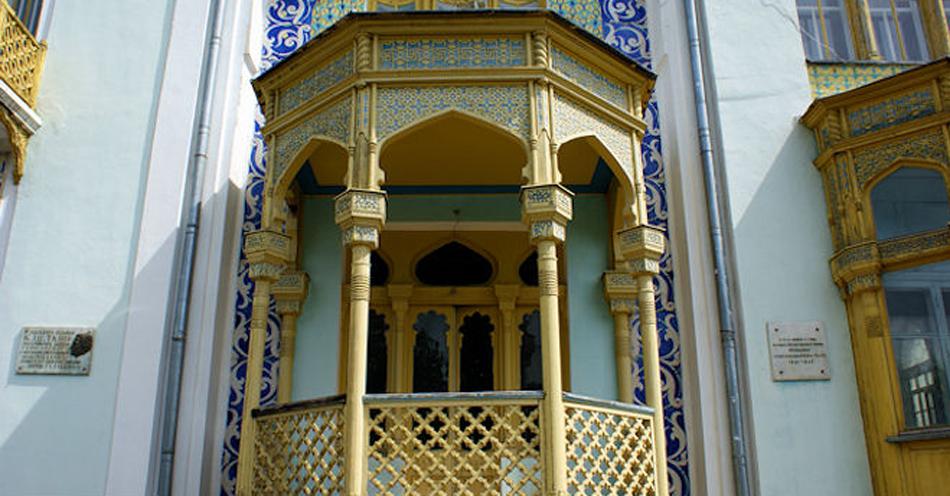 красивый балкон дворца Эмира