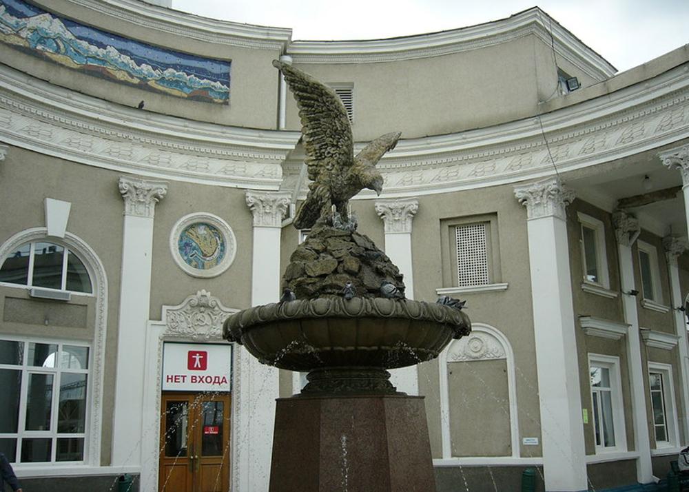 скульптура орла фото