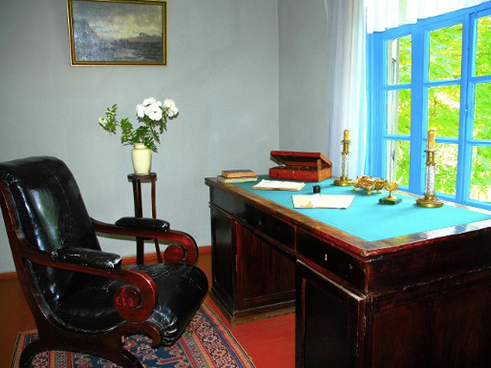 дом Лермонтова в Пятигорске внутри