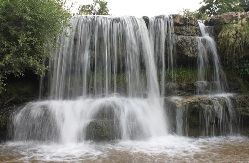 стена из воды