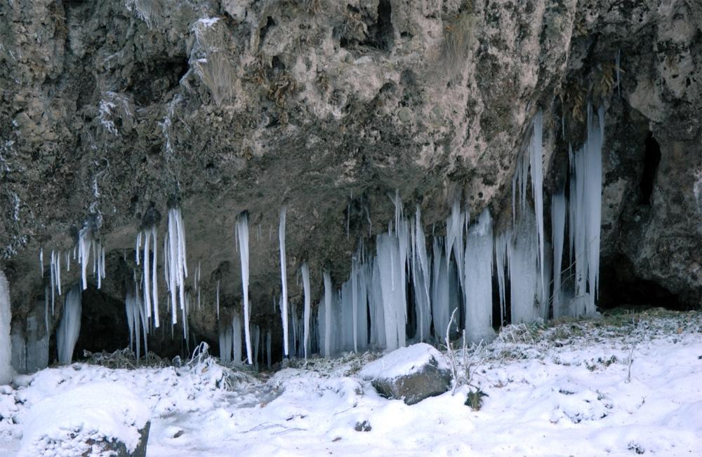 Медовые водопады зимой