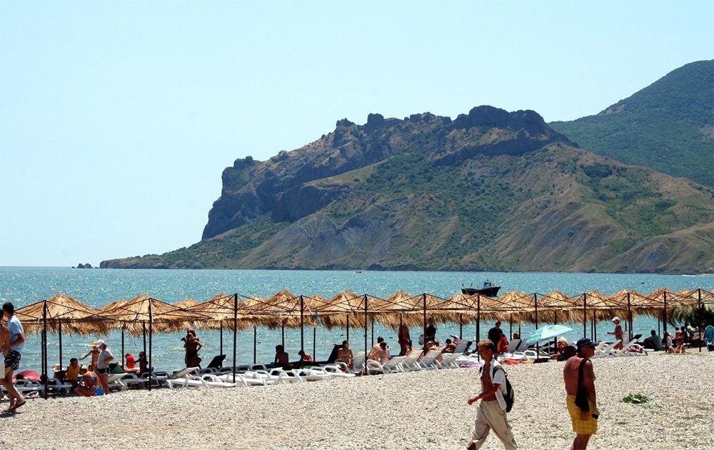 песчаный пляж Коктебель